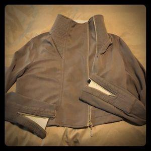 Cropped Lululemon zip up yoga jacket women's 10